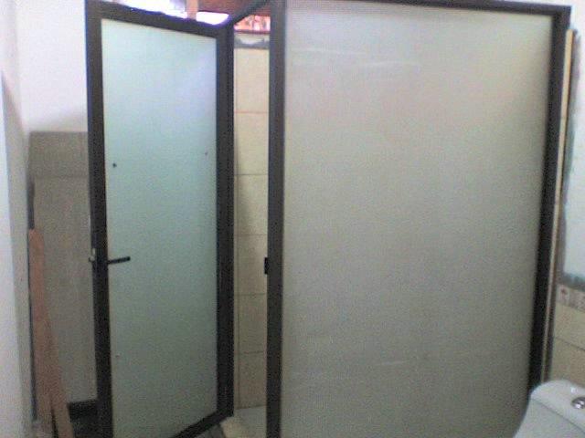 Puertas De Baño San Jose:para baño que ofrece Vidrios San Isidro son elegantes y seguras